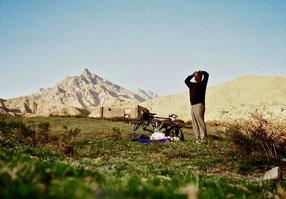 Schlafplatz im Freien - Mt. Karbas 3.985 m hoch