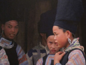 Mädchen des Hmong Bergstammes in Sa Pa