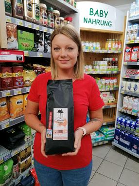 Jennifer mit ihrem Lieblingskaffee - dem Sidamo aus Äthiopien!