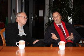 Aktions-Schirmherr Thomas Grambow ( rechts) im Gespräch mit Werner Tschöpe, 1. Vorsitzender des Fördervereins Gute Stube e.V.
