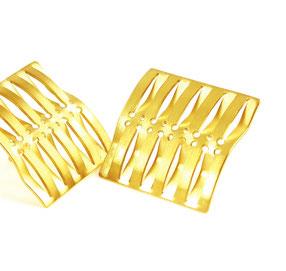 grafische Ohrringe aus der Goldschmiede Landsberg