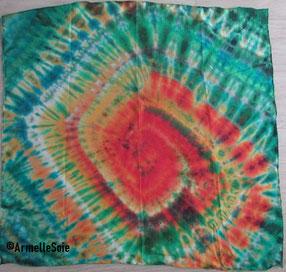 foulard, carré de soie, soie naturelle, peint main, multicolore, femme, gai, vif, fait main, fabriqué en France,  Bretagne, Breizh