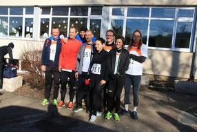 """(Fast) alle Starter des """"Team Leistungsdiagnostik.de"""" beim Britzinger Silvesterlauf vor dem Start - viele waren noch beim Warmlaufen ;-)"""