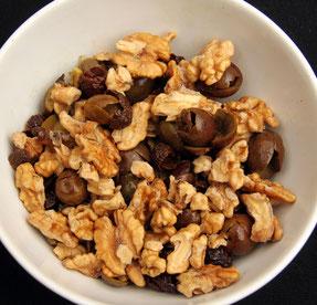 noix trempées, inhibiteurs d'enzymes