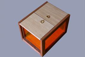 boite de rangement en sipo, chêne et plexi - vue fermée