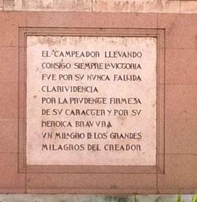 """Placa de la estatua del """"Mio Cid"""", en Burgos"""