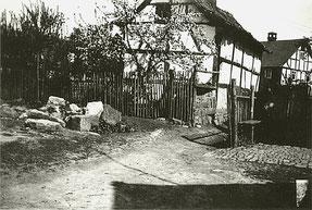 Ein Steinhaufen - Reste der Synagoge