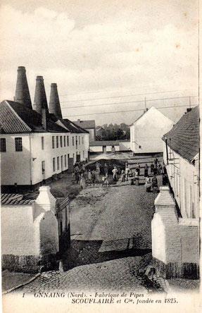 Kaart met afbeelding van de pijpenfabriek van Scouflaire et Cie in Onnaing.  Waarschijnlijk begin 1900