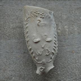 Op andere zijde 3 zwaantjes en WVD, onbekende maker, ca 1720-1760