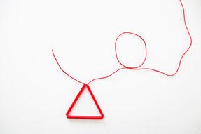 固結びで三角形をつくる