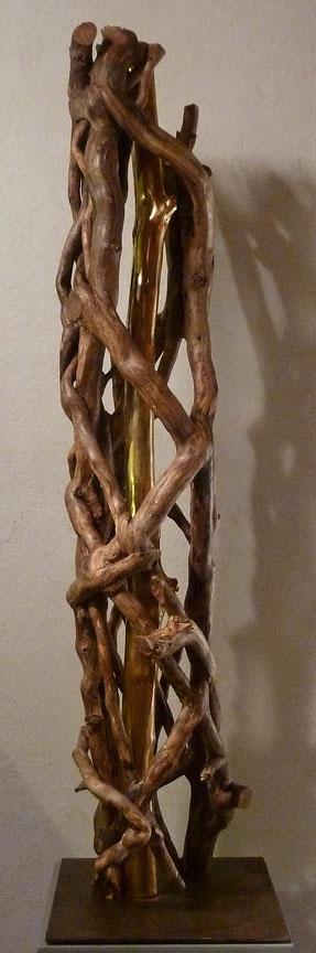 UN PETIT BRIN D'ETERNITE  Lierre brut,, coeur de chêne doré, feuiles d'or 23 carats  H: 115 cm