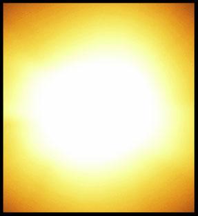 Da sah ich eine Schale aus purem Gold.  Sie war gefüllt mit gleißendem Licht. Dieses Licht – ich erkannte es gleich – war für mich und alles, was will geheilt.