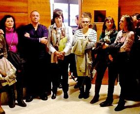 Familiares y autoridades en el homenaje a Diego Mena.