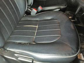 運転席のシート修理の張り替え前