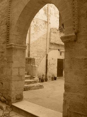 Cerignola - Strade del Borgo antico - Foto V. Loiodice