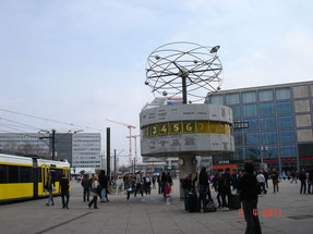 Alexanderplatz l'horloge universelle