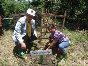 植林活動やその準備には地域住民の協力が欠かせません