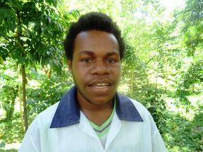 グレッグ・アモダントさん(16歳) ワランゴイ学校