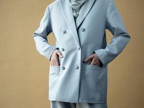 MIOMARTHA-sustainable-womens-blazer-blue-Editorial-SS20