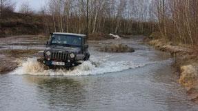 Fahren auf vereisten Seen - obs hält?