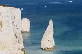 """weiße Kreidefels-Formation """"Old Harry Rocks"""" an der Küste Dorsets"""