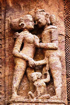 erotic_sculpture_of_khajuraho_painter's_blog