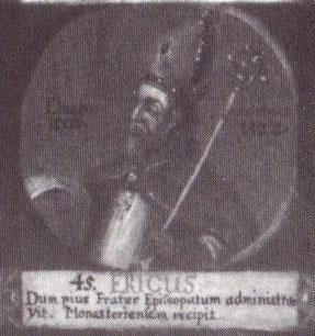 """Erich als 45. Bischof von Hildesheim auf einem Gemälde mit Medaillondarstellungen aller Hildesheimer Bischöfe bis zum Ende des 18. Jahrhunderts; lateinische Inschrift: """"Während sein frommer Bruder das Bistum [Hildesheim] verwaltete, empfing er das von Mün"""