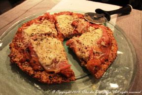 Pizza-quinoa, jambon de la Forêt Noire et thym frais