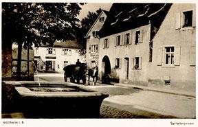 """Alte Aufnahme vom Brunnen vorm """"Spital"""""""