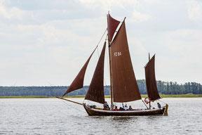 Eine Zeese, das traditionelle Fischerboot