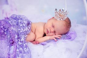 grote bloemenmand met newborn