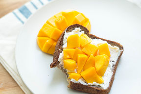 Easy Mango-Cream Cheese Toast Recipe