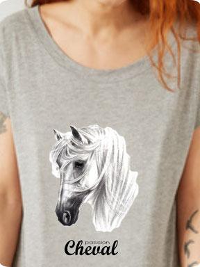 tee shirt avec cheval imprimé