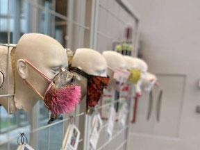 Creatieve mondkapjes tentoonstelling verhuist van Galerie bij Leth (Emmen) naar Martini Ziekenhuis Groningen bij de prikpoli.