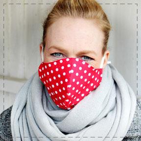 Julia Design Maske Mund-Nasen-Maske Stoffmaske Gesichtsbedeckung Stoff Baumwolle handmade Handarbeit schön