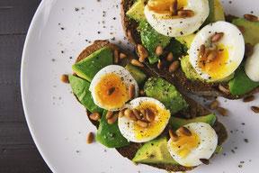 Avocado & Eggs on Wholemeal Toast