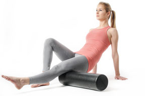 Faszienrolle Maike Hoyck Hamburg Pilates Personal Training Rolle