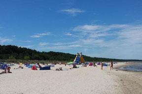 endloser Sand-Strand hinter den Dünen der Dünenresidenz Usedom