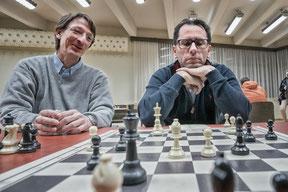 Reinhard Lendwai bei der Analyse mit Gerhard