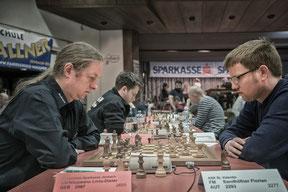 Florian mit seinem neuen Lieblingsgegner Großmeister Nisipeanu (Elo 2680)