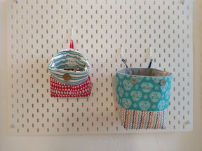 La cesta de tela para mis tesoros queridos es de Mariposa Pititico