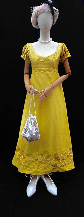 broderie personaliee robe de bal premier empire regency bridgerton