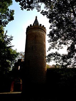 Fangelturm von der Wallseite