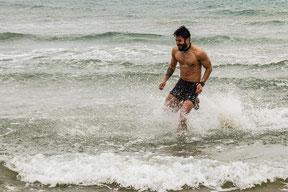 Mann im Meer