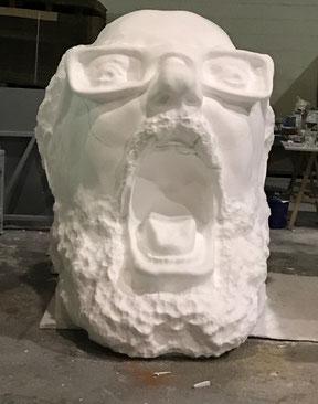 Cabeza Gigante tallada en porex