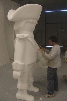 Clic (gihante) de Famobil, Escultura Homenaje.