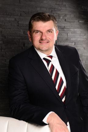 Geschäftsführer Hettwer UnternehmensBeratung GmbH Fachliche Kompetenz www.hettwer-beratung.de Beratung Experte Berater Profil Freiberufler Freelancer Spezialist Zahlungsverkehr Wertpapierabwicklung