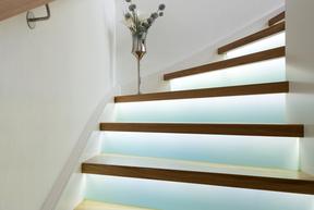 Treppen Massivholztreppe Beleuchtung