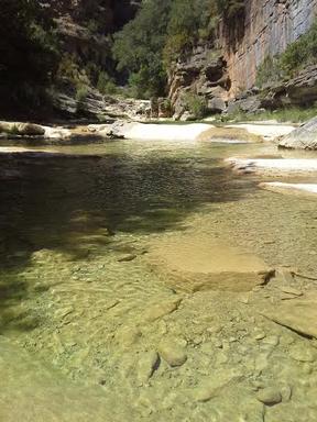 sejour zen aragon sierra de guara nocito bien être naturisme sauvage piscine naturelle marche consciente chamanisme thérapie holistique élémentaux