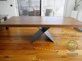 Massivholztisch mit aufgedoppelter Tischplatte, aufgedoppelte Massiholztischplatte mit Stahl-Tischgestell, anthrazit, pulverbeschichtetes Metalltischgestell mit aufgedoppelter Massivholztischplatte, gebeizte Tischplatte in Eiche aufgedoppelt, Massivholz
